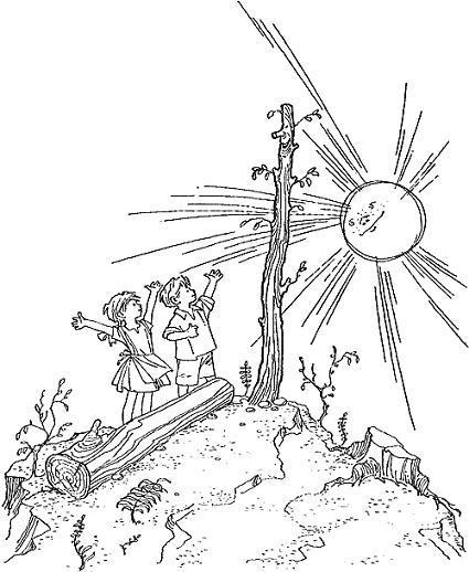мальчик Лёня и девочка Арина радуются солнцу