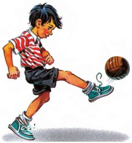 Толя Клюквин набивает мяч
